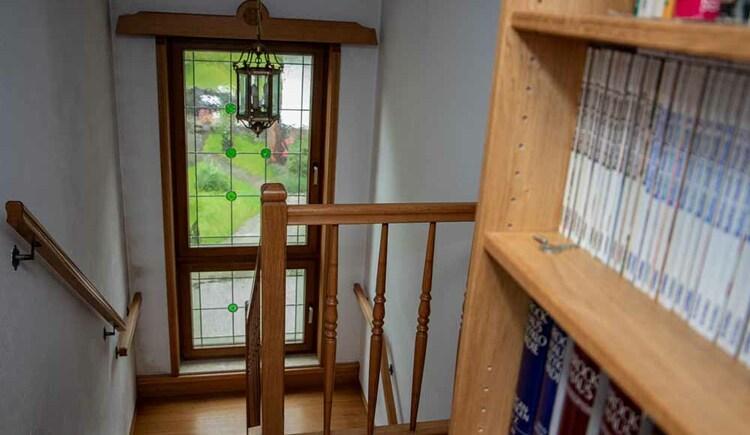 Treppenaufgang in die Butchi- Suite Sommerfrische Apartments Bad Goisern. (© Sommerfrische Apartments)