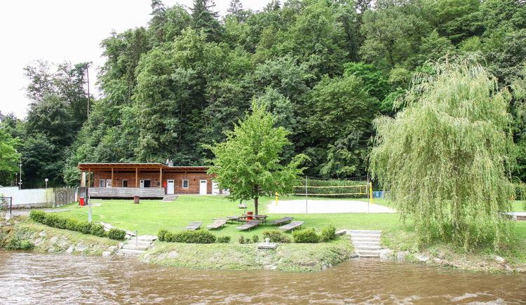 Waldbad Perg - freier Eintritt ins Naturbad an der Naarn