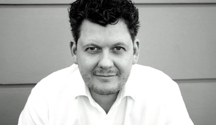 Einar Gudmundsson als Bariton.