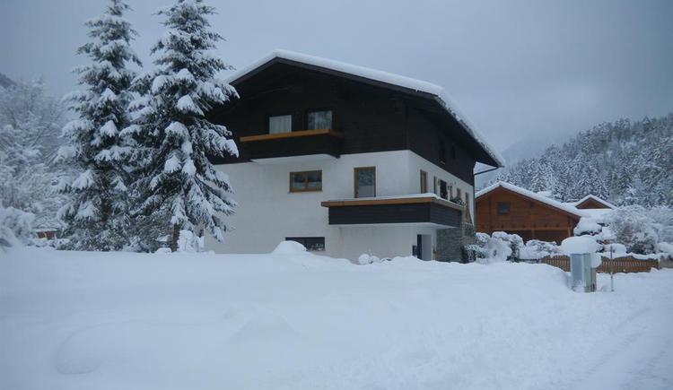 Haus Edlinger im Winter (© Edlinger)