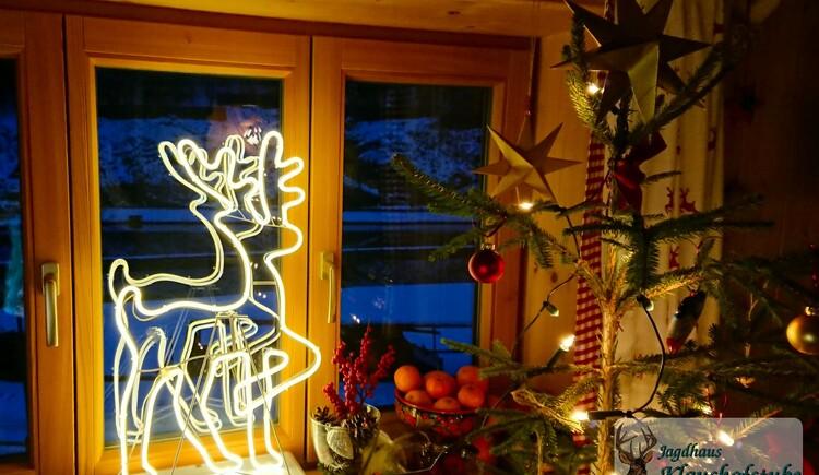 Weihnachtsromantik in der Ferienwohnung. (© Jagdhaus Klaushofstube)