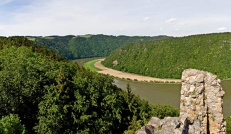 Atemberaubender Ausblick vom Turm der Ruine Haichenbach (© WGD Donau Oberösterreich Tourismus GmbH/Weissenbrunner)
