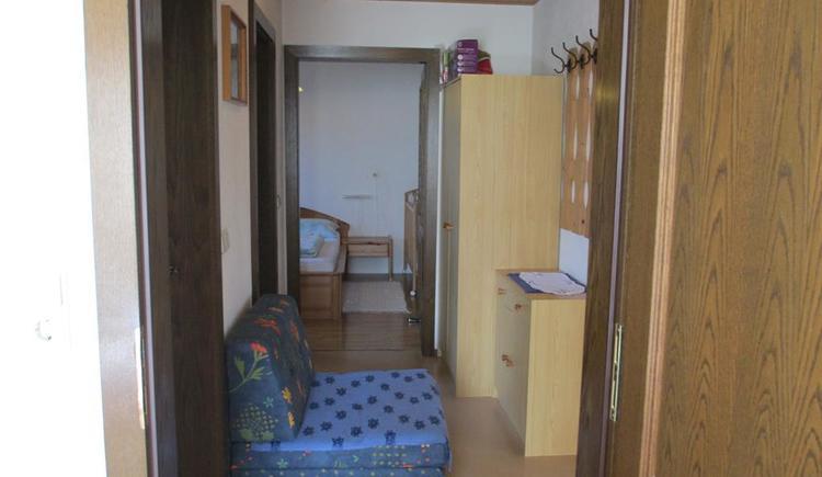 Vorraum zwischen Eltern- u Kinderzimmer (© Esser)