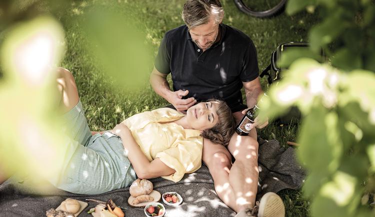 Vom idyllischen Kulinarik-Picknick bis zum prickelnden Sinneslust-Erlebnis in der freien Natur. (© BERGERGUT Pürmayer GmbH)