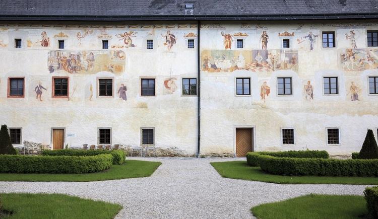 Landschloss Parz Freskenwand (© Tourismusverband Urlaubsregion Vitalwelt Bad Schallerbach / Mühlleitner)