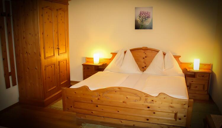 Dreibettzimmer (© Gasthof zum grünen Baum)