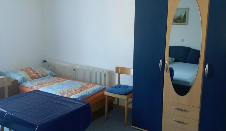 Dreibettzimmer - Einzelbett