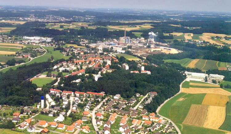 Luftaufnahme von Lenzing. (© Marktgemeinde Lenzing)