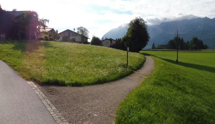 Gleich nach der Grimminghalle rechts weg... (© Tourismusverband Ausseerland-Salzkammergut)