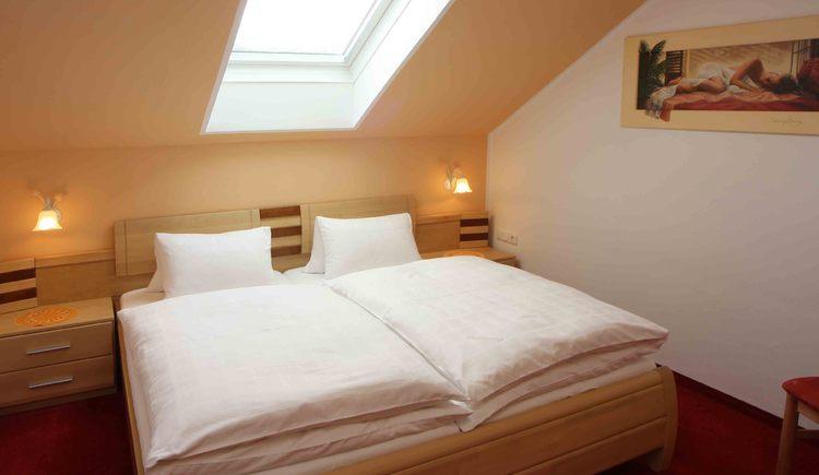 Ferienwohnung Schlafzimmer. (© Windhager)