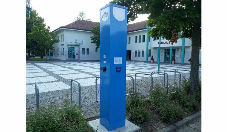 E-Ladestation beim Rathaus in Seewalchen am Attersee. (© G_Hilz)