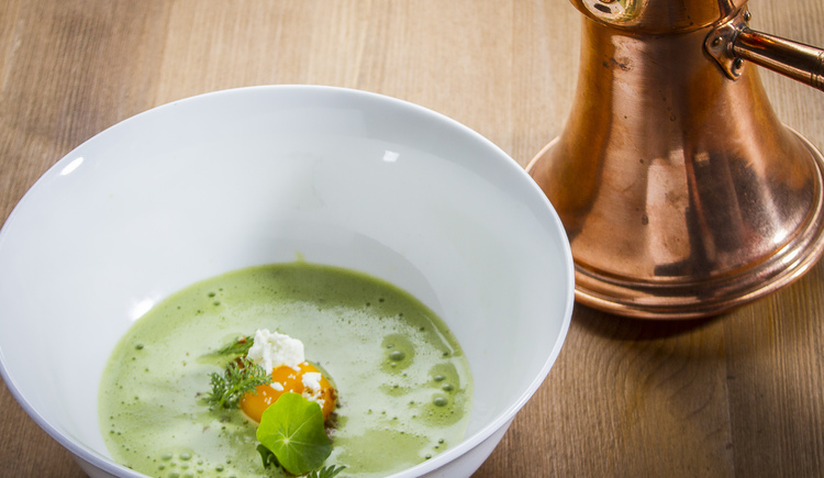 Bärlauchsuppe. (© Culinariat)