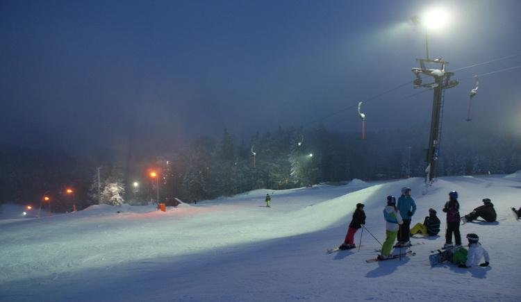 Flutlicht Schi und Snowboard (© SLK)