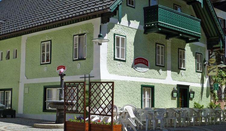 Die Pizzeria Romana in Bad Goisern befindet sich am alten Marktplatz. (© Ferienregion Dachstein Salzkammergut)