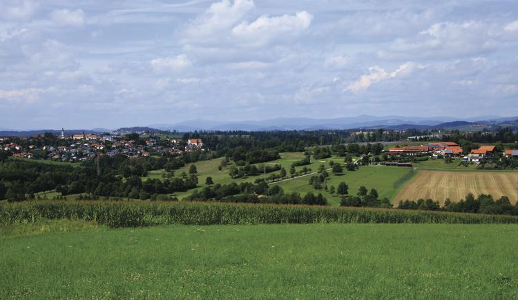 blick-auf-ra-bach-und-thyrnau-2019-08-08-digel-fashion-golf-cup-021