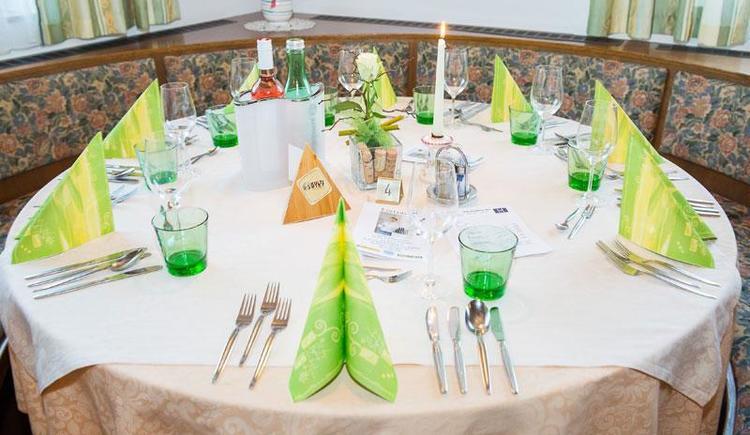 Tisch gedeckt (© City Foto)