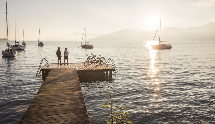 Radpause am Attersee (© OÖ Tourismus/Moritz Ablinger)