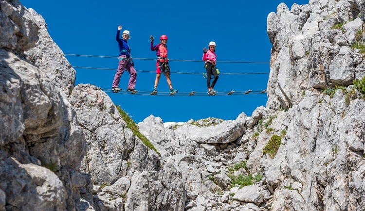 Suspention bridge for the little climbers. (© Outdoor Leadership)