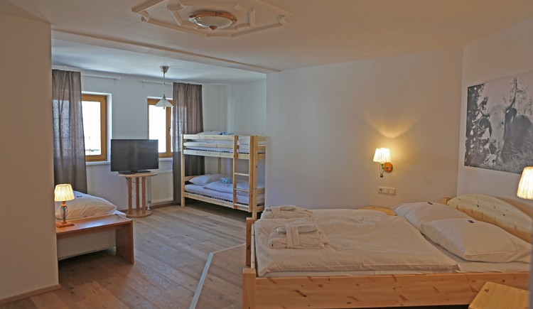 Family room, apt. Otto with bunk, double and single bed, in bright design