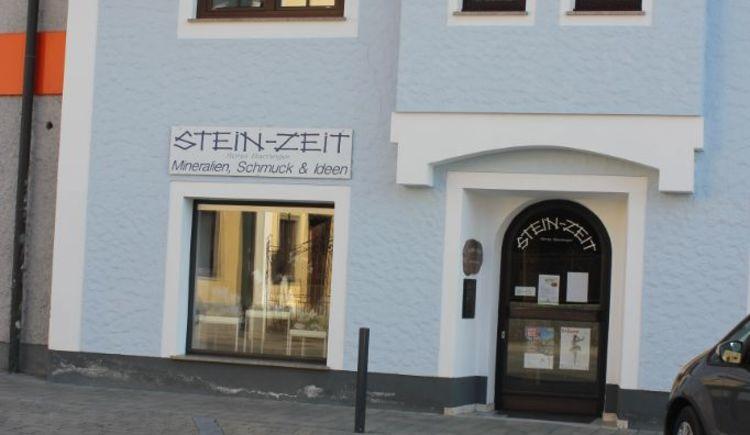 Foto zeigt Geschäft Steinzeit für Edelsteine und Schmuck in St. Georgen im Attergau.
