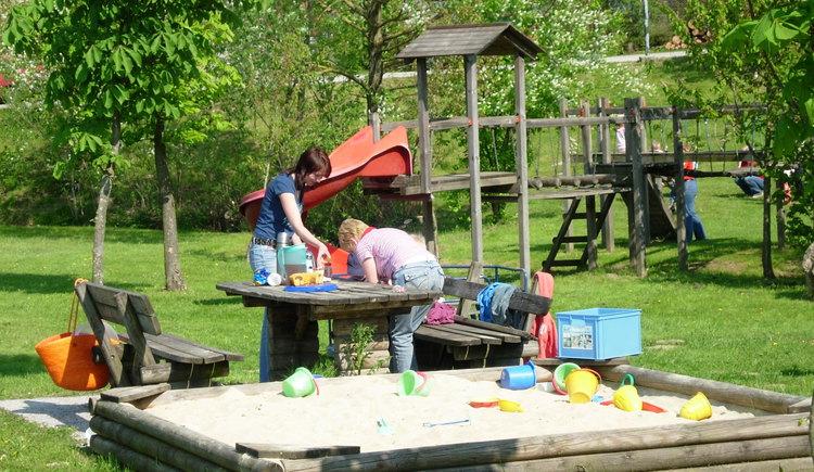 Kinderspielplatz.JPG (© Gemeinde St. Veith)