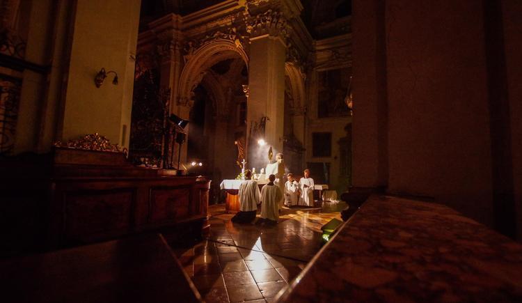 Anbetung in der Stiftskirche (© Stift Kremsmünster)