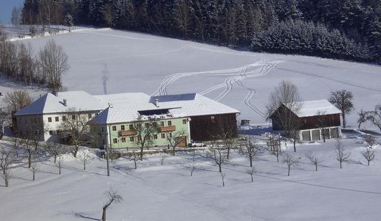 Biohof Stadlbauer im Winter (© Privat)
