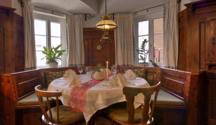 Genießen sie ihr Abendessen in der gemütlichen Stube des Wohlfühlhotels Goiserermühle. (© Wilhelm Eberl)