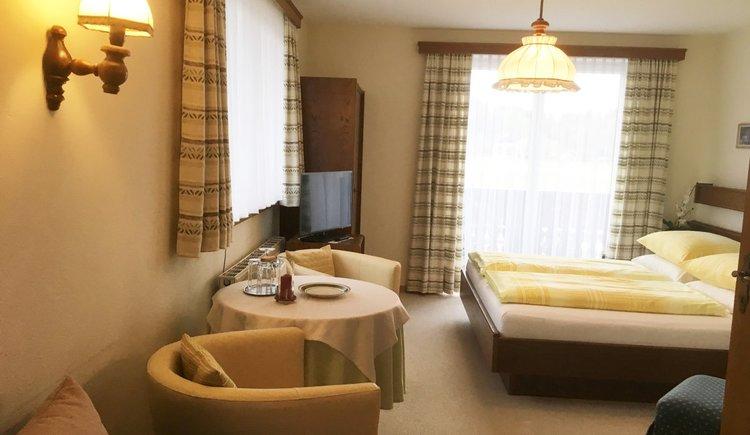 Dreibettzimmer 18 Pension Schlömmer