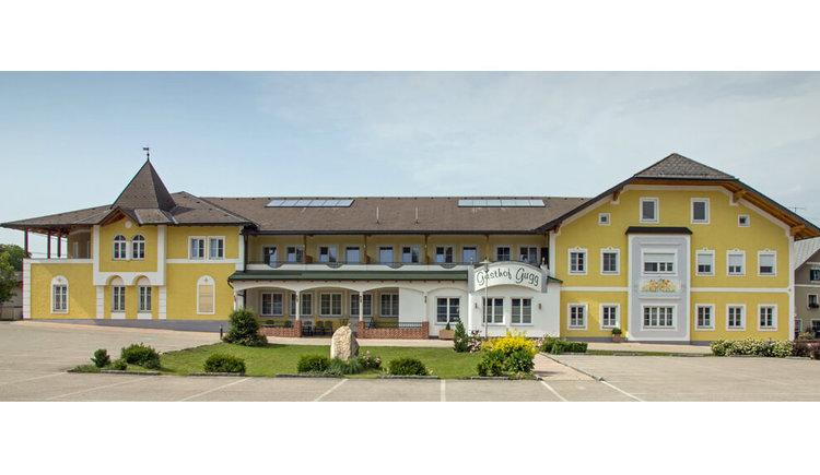 Hausansicht Gasthof zum Gugg in Gampern