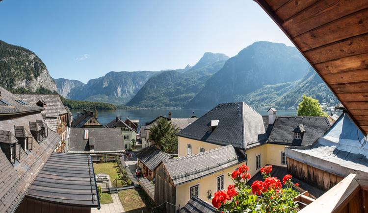 Auf dem Foto sieht man den Ausblick vom Balkon vom Restaurant Zauner Seewirt. (© Seewirt Zauner)