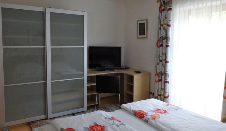 Schlafzimmer Ferienwohnung Eisl/Höslmoser. (© Wolfgang Eisl)