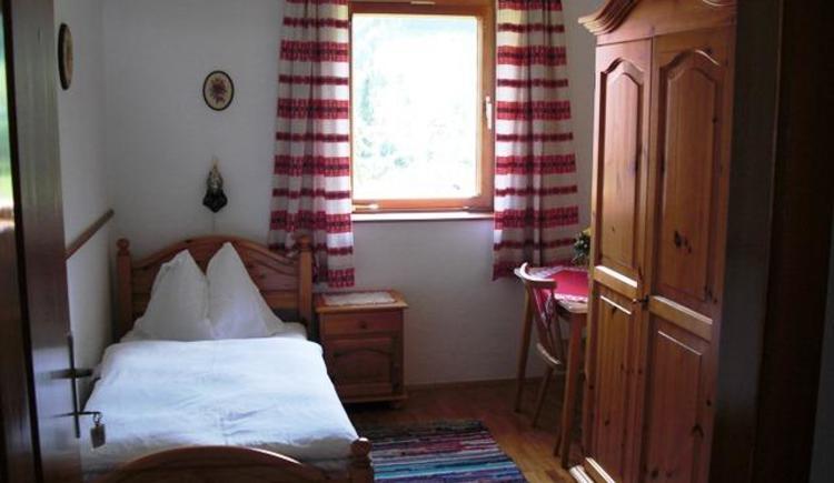 Einbettzimmer von Ferienwohnung Bergblick (© Bürtlmair)