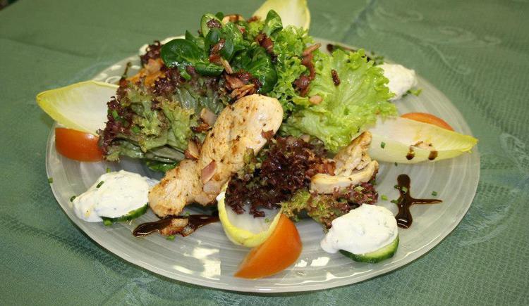 Seewirt Salat (© www.boehmerwaldcamp.at)