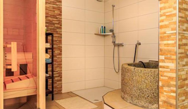 Saunabereich mit Abkühlbecken (© Privat)