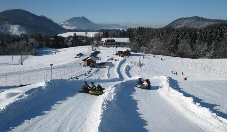 Snowtubing in Faistenau - Spaß für Groß & Klein (© Snowtubing Faistenau)