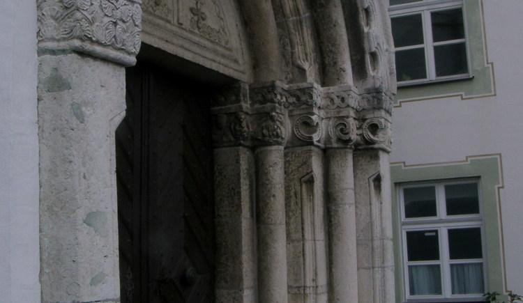 Mallersdorf Kircheneingang