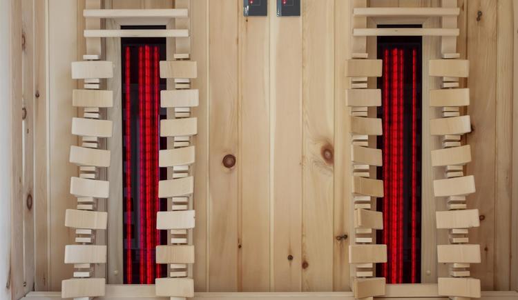 Infrarotkabine aus Zirbenholz (© by Gästehaus