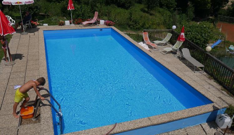 Pool (© Hotel Pension Stadlhuber)