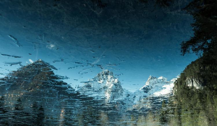 Schiederweiher im Spiegelbild (© Markus Kohlmayr)