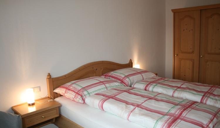 Schlafzimmer 1 Fewo Pöllmannbauer