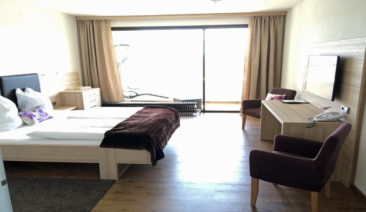 Hotel Blumenhof, Doppelzimmer mit Balkon. (© Hotel Blumenhof)