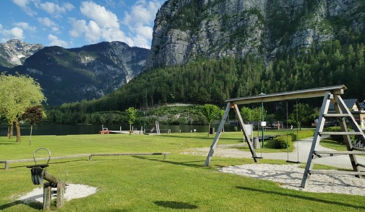 Das Areal ist ein Paradies für Kinder. Zahlreiche Spielmöglichkeiten stehen für die kleinen Gäste zur Verfügung. (© Ferienregion Dachstein Salzkammergut)