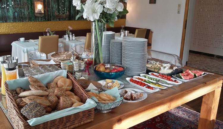 Frühstück. (© Hotel Oase)
