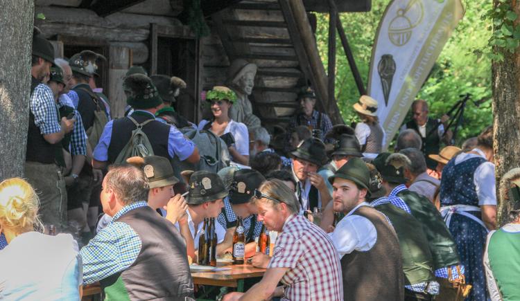 Auch im Holzknechtmuseum herrscht während den Goiserer Gamsjagatagen reger Betrieb. (© Ferienregion Dachstein Salzkammergut)