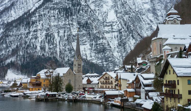 The World Heritage site Hallstatt in winter. (© Jürgen Stüger)