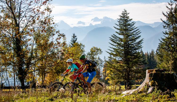 Auf der Mountainbiketour Dachsteinrunde gibt es immer wieder imposante Ausblicke