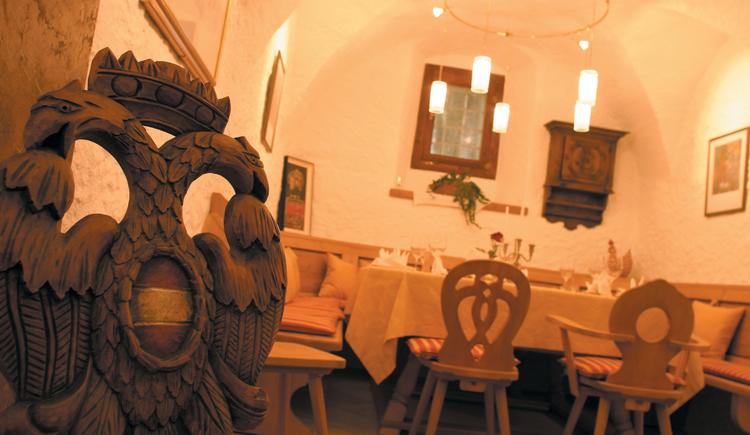 Genießen sie ihr Abendessen in der historischen, gemütlich eingerichteten Stube. (© Landhotel Agathawirt)