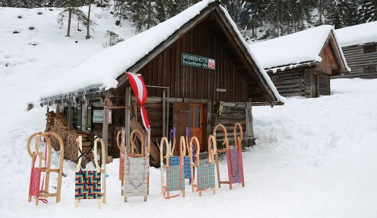 Die mittelschwere Trockentann Rodelbahn erfreut sich in den Wintermonaten großer Beliebtheit, zahlreiche Rodelbegeisterte kommen für eine lustige Rodelpartie nach Bad Goisern.