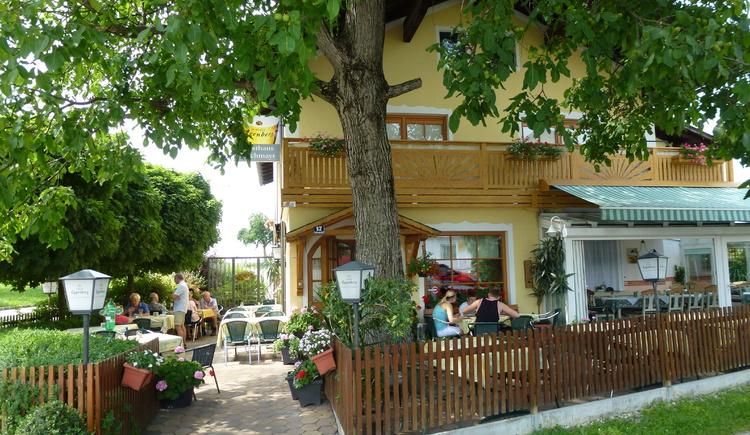 Bachmayr Gastgarten (© Bachmayr)